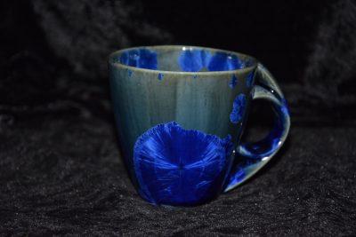 tasse porcelaine anse ronde bleu-nuit
