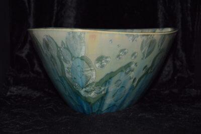 Saladier triangulaire en porcelaine vert d'eau