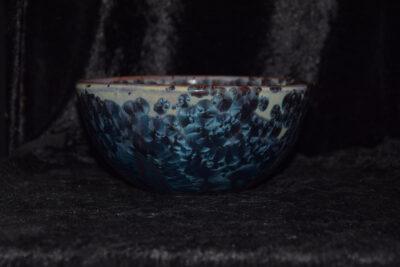 Grand bol en grès marron cristaux bleus