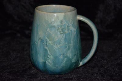grande tasse en porcelaine vert d'eau
