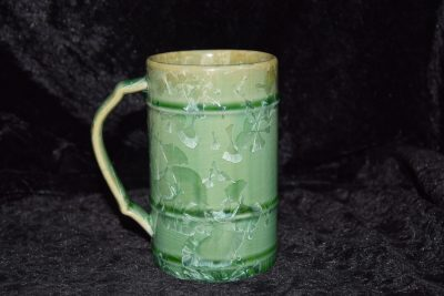 tasse verte grès avec anse