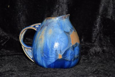 petite carafe porcelaine bleu-marron-mauve