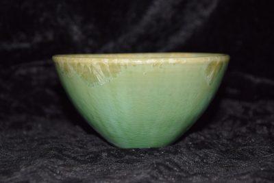 Poterie bol vert porcelaine forme japonaise taille moyenne