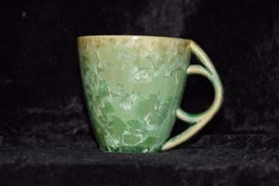 Tasse en grès anse ronde verte