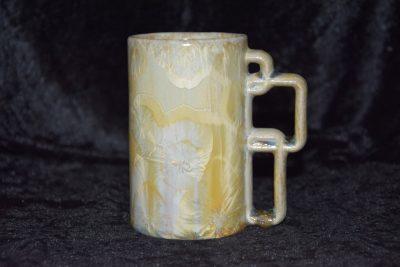 Mug artisanal en porcelaine