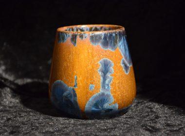 Tasse sans anse porcelaine marron-bleu