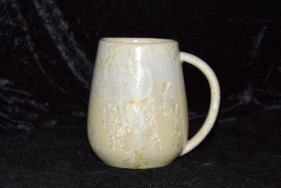 Grande tasse en grès cristallisations blanches
