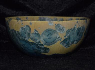 Saladier artisanal en porcelaine cristallisations gris verts