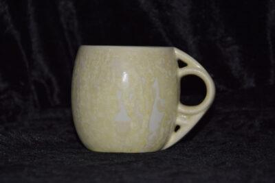 Tasse artisanale en porcelaine blanc mat