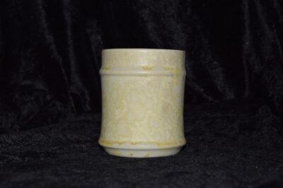 Tasse en porcelaine artisanale sans anse blanc mat