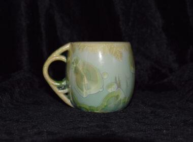 Tasse artisanale en porcelaine vert citron