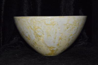 Saladier conique en grès blanc jaune
