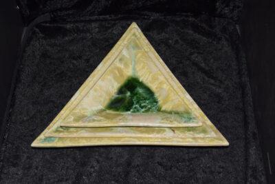 3 assiettes apéritives en porcelaine vert citron
