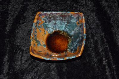 Coupelle carrée en grès marrons cristaux bleus