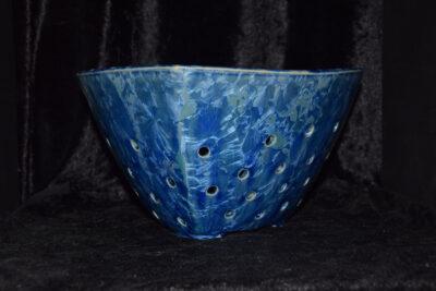 Égouttoir fruits et légumes triangulaire bleu