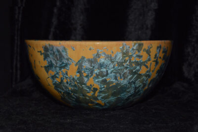 Saladier en grès orange ocre cristaux bleus verts 22 cm